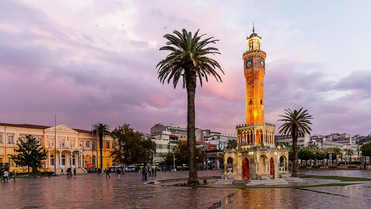Bugün Günlerden; İzmir!